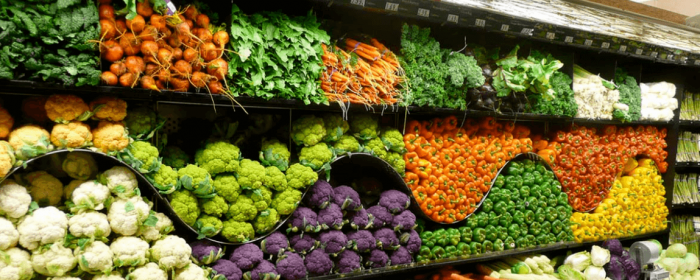 What were the challenges and reputation opportunities for supermarkets in 2016?