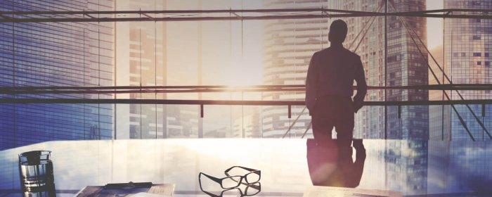 What should my CEO's distinctive communications platform be?